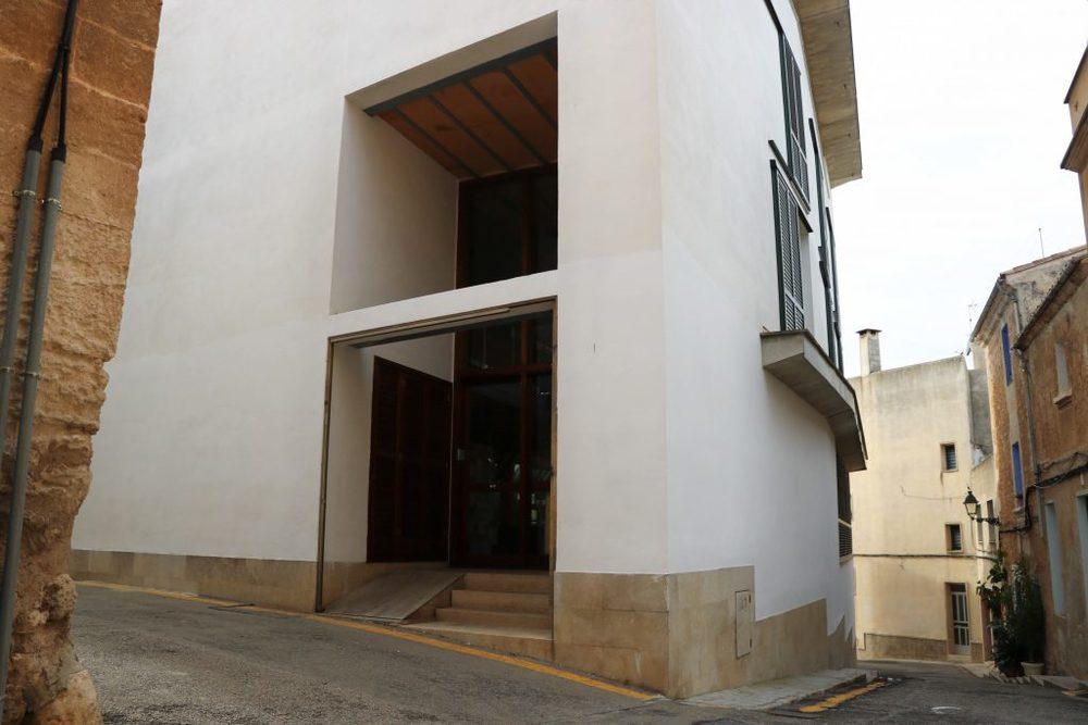 Biblioteca joan estelrich 1024x683
